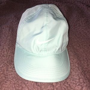 """NIKE """"light as a feather"""" cap"""